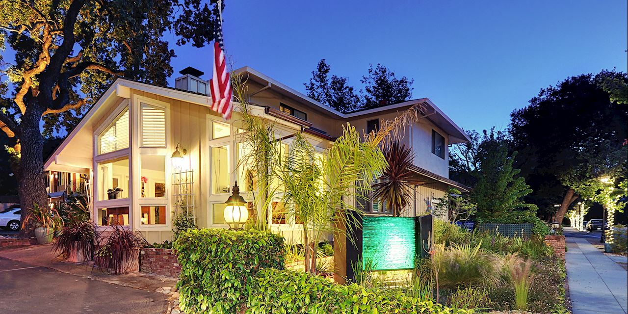 Saratoga Oaks Lodge California