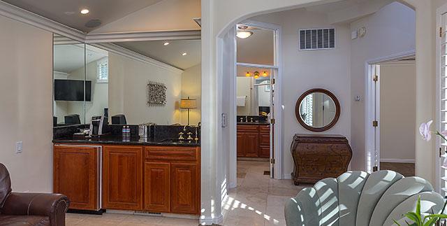 Saratoga Oaks Lodge, California King Suite