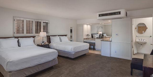 Saratoga Oaks Lodge Two Queen ADA Room